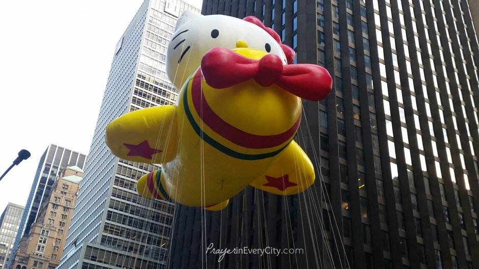Macy's Thanksgiving Parade Hello Kitty Balloon
